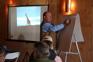 Ian Mitchell-Innes explains grazing concepts at drought management workshop held at Paicines Ranch.