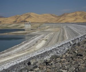 san-luis-reservoir-2014-low-levels.jpg