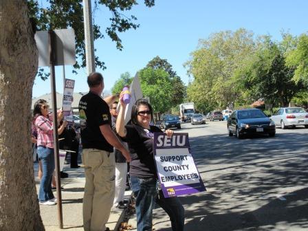 SEIU Local 251 protesters
