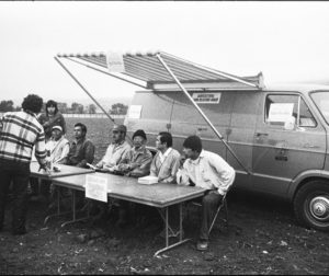 A farmworkers' polling place set-up in a field (Sept. 1975). Photos courtesy of Mimi Plumb.