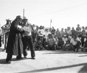 "El Teatro Campesino performs during the 1975 ""El Voto"" campaign. Photo courtesy of Mimi Plumb."