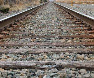 railroad-tracks-2035357_1280.jpg