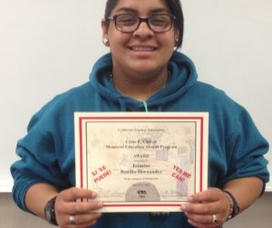 SBHS senior Jasmine Bonilla-Hernandez holding her award certificate. Photo by Frank Perez.