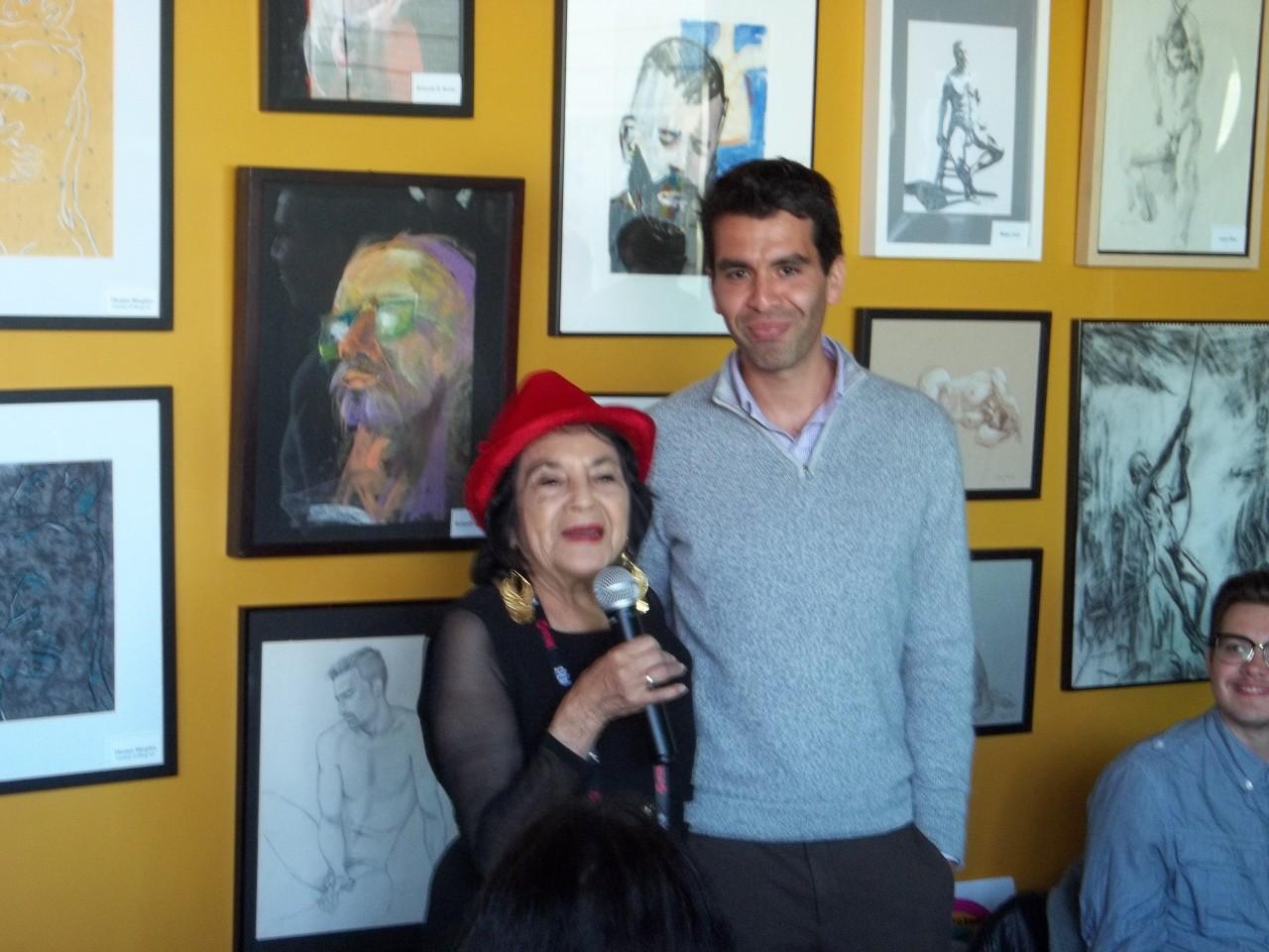 Huerta compliments Rivas. Photo by Frank Perez.