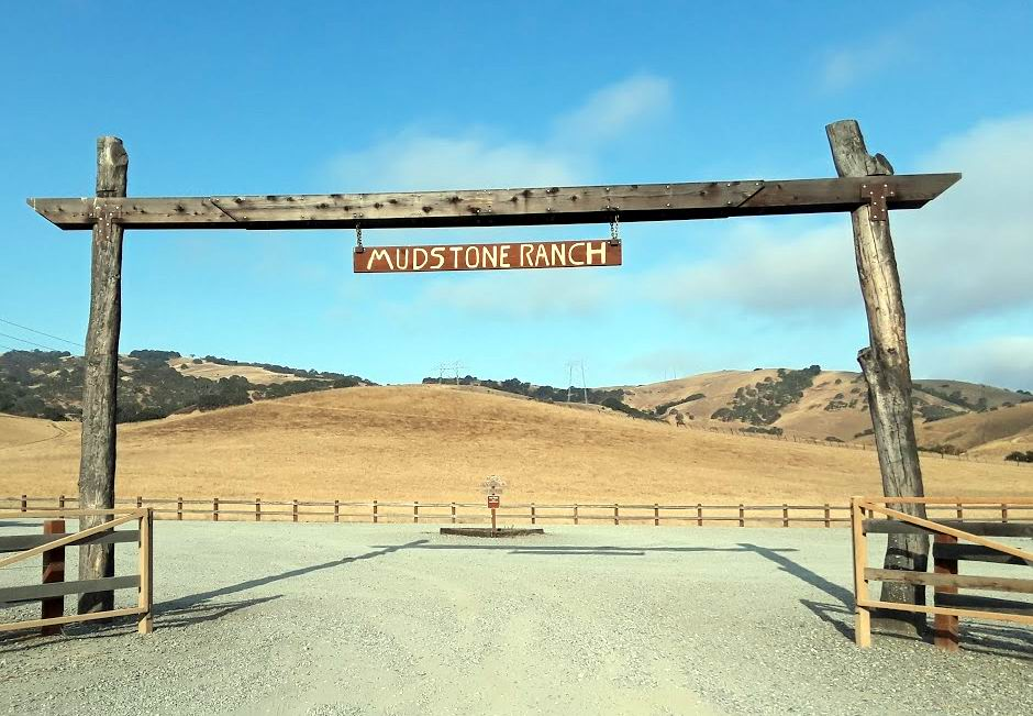 Mudstone Ranch sign.jpg