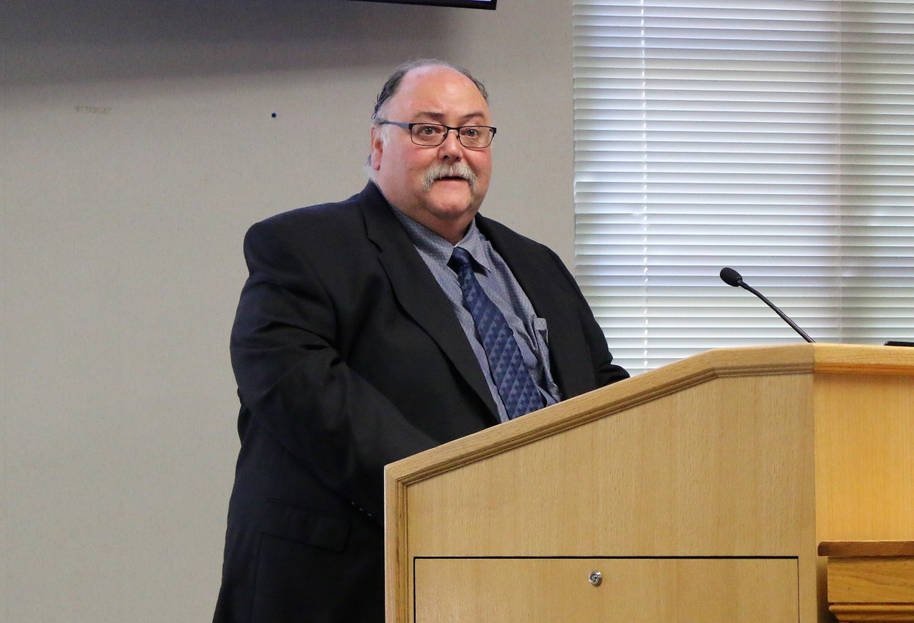 Hollister School District Director of Facilities John Teliha presents new school design to San Benito County Board of Supervisors. Photo by Noe Magaña.