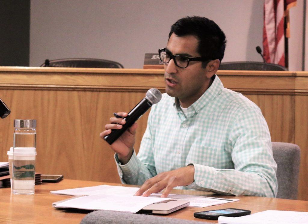 Robert Rivas at a 2017 town hall meeting. Photo by John Chadwell.