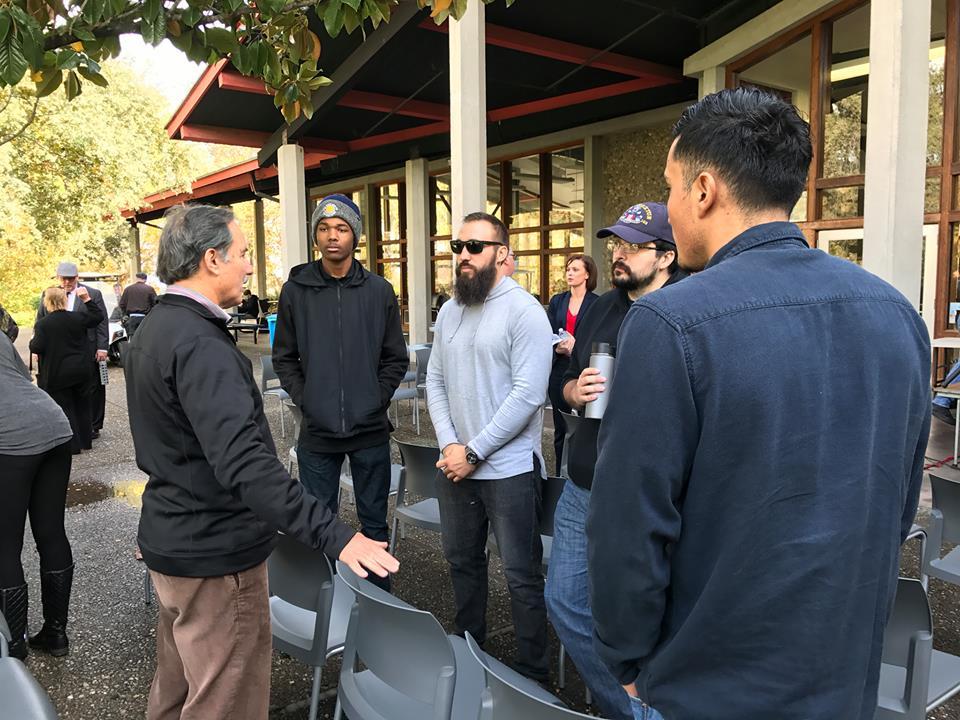 Weston speaks with student vets.jpg