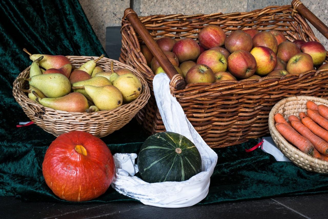 fruit-1703999_1920.jpg