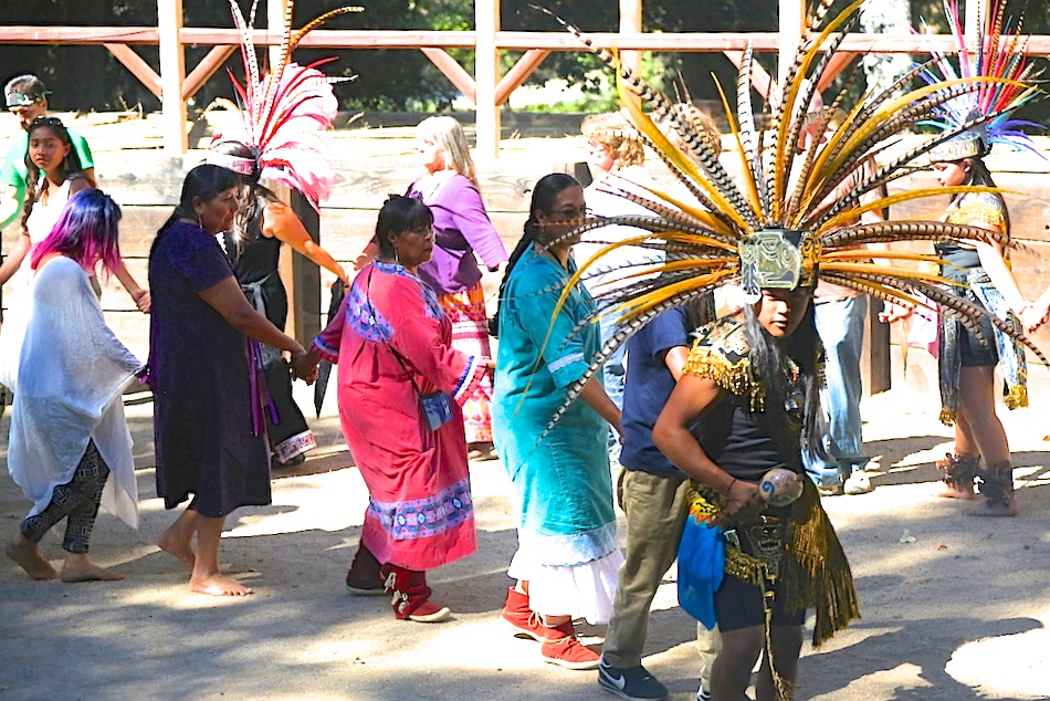 indian canyon dancers 2.jpg