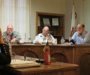 Mayor Jim West (left) Councilman Tony Boch (center) and Vice Mayor John Freeman. Photo by Noe Magaña.