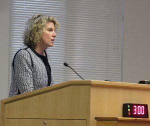 Kim Stone during her Oct. 23 presentation. Photo by Noe Magaña.