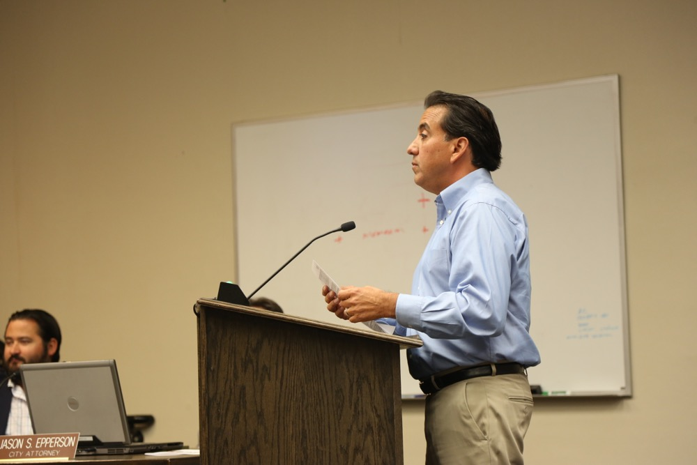 Mayor Ignacio Velazquez at the podium. Photo by Leslie David.