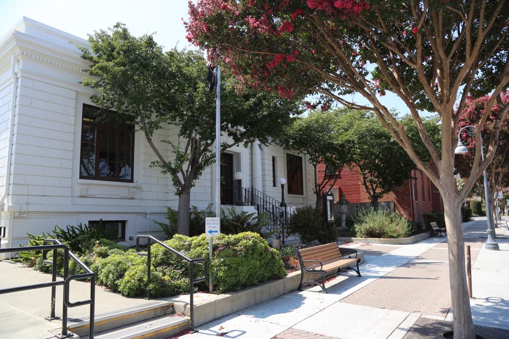 Hollister City Hall. File Photo.