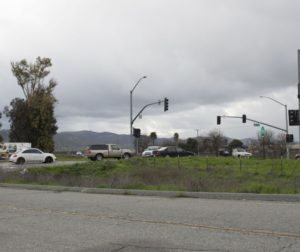 Cars at the stop light at Union Road and Highway 156 intersection near the San Juan-Hollister Road intersection. Photo by Noe Magaña.