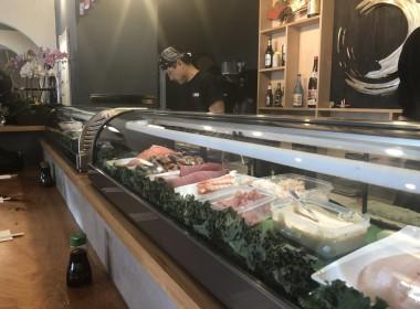 Dave preparing sushi. Photo by Noe Magaña.