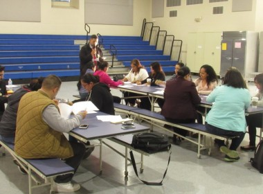 Participants during the April 10 Spanish-language meeting at R.O. Hardin. Photo by Noe Magaña.