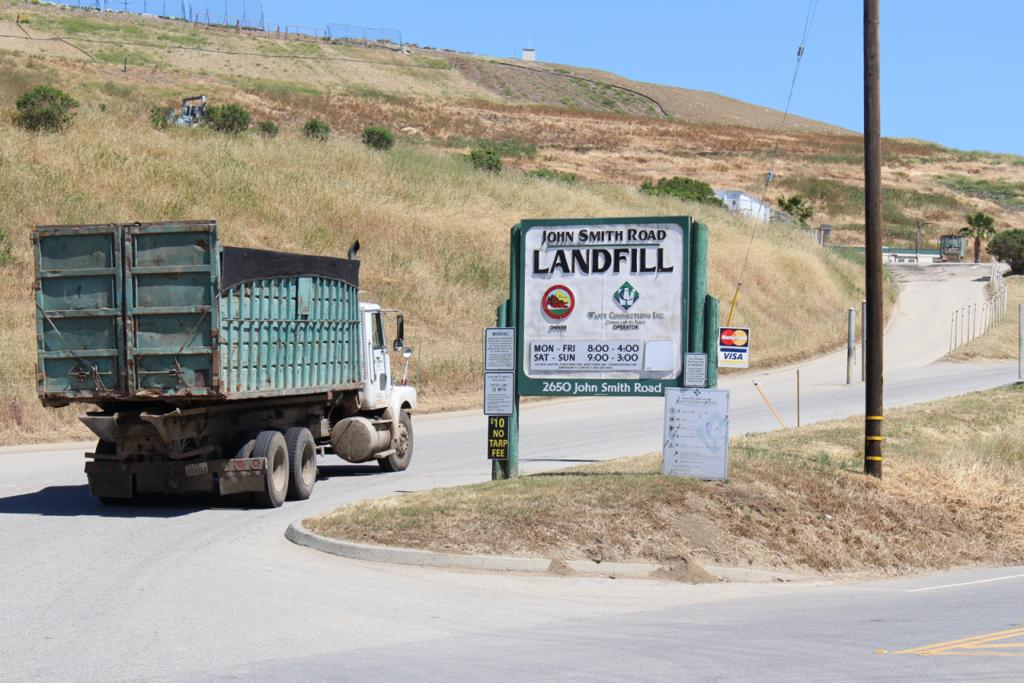 A truck heads into the John Smith Road Landfill. Photo by Noe Magaña.
