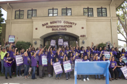 Service Employees International Union members rally outside the county administrative building urging a raise on Sept. 18. Photo by Noe Magaña.