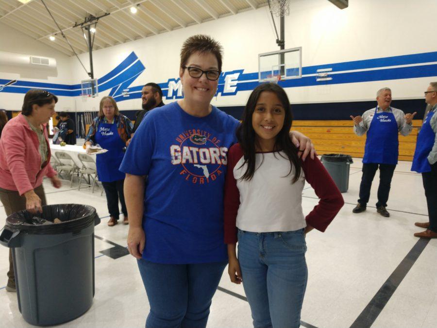 Teacher Teresa Stevens and student Kayla Gonzalez at an October student-teacher lunch at Maze Middle School. Photos by Carmel de Bertaut.