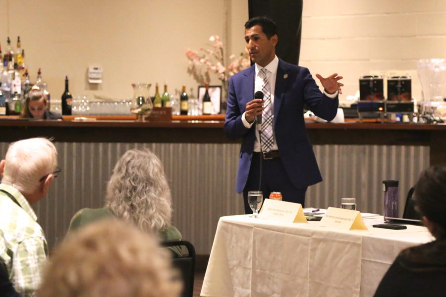 State Assemblyman Robert Rivas speaks at a BenitoLink-hosted town hall in October 2019. Photo by Leslie David.