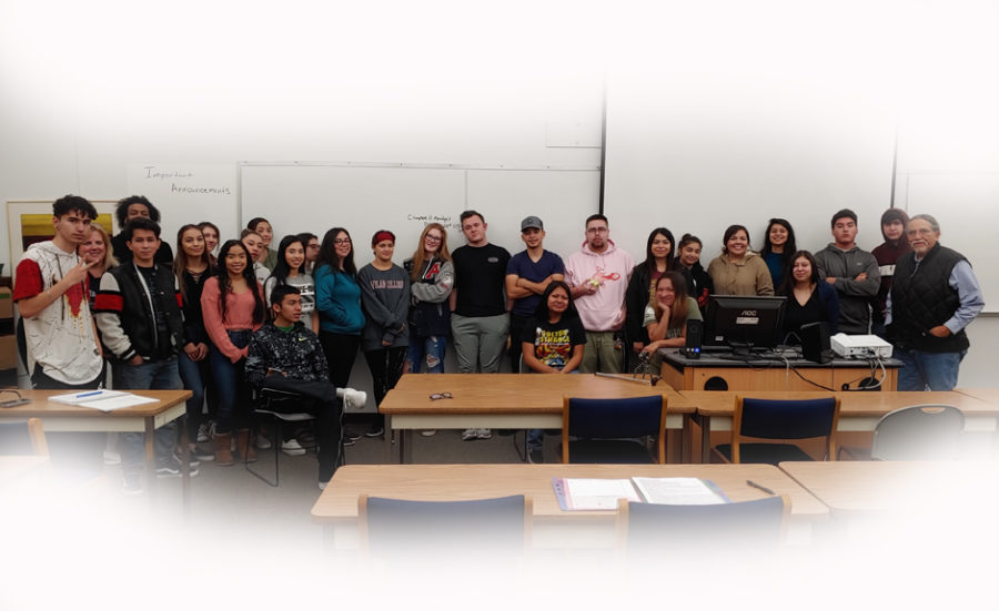Group photo of Adrian Andrade's class. Photo provided by Adrian Andrade.