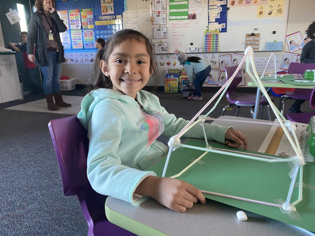 Kindergarteners at Sunnyslope Elementary build towers out of straws and marshmallows. Photos by Kaitlyn Fontaine.
