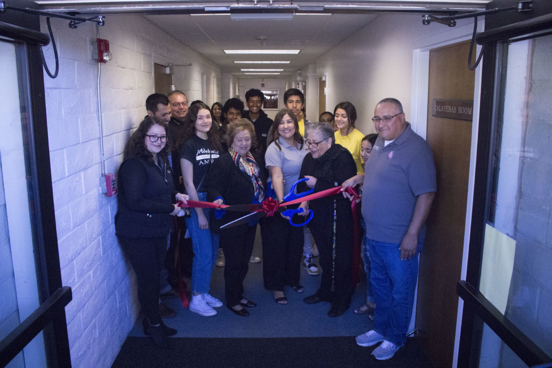 Members of LULAC, Jovenes de Antaño and Hollister Recreation cut the ceremonial red ribbon for the EHAT Technical Center, located at 300 West Street in Hollister. Photo by Noe Magaña.