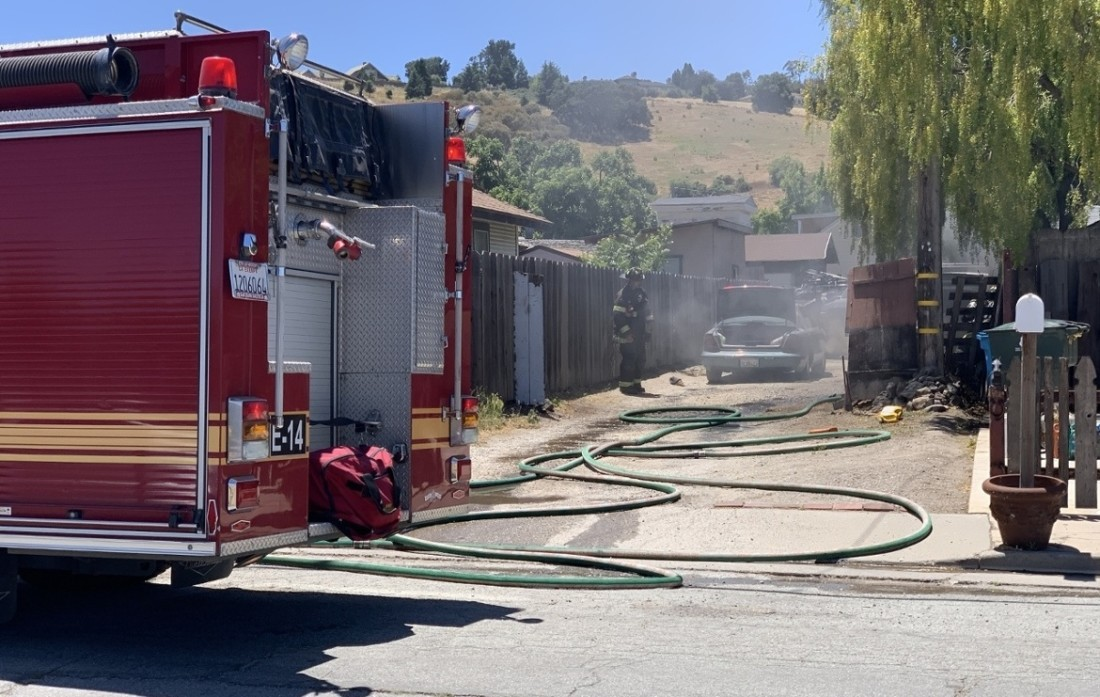 Vehicle fire in an alley off The Alameda in San Juan Bautista on June 17. Photo by Robert Eliason.