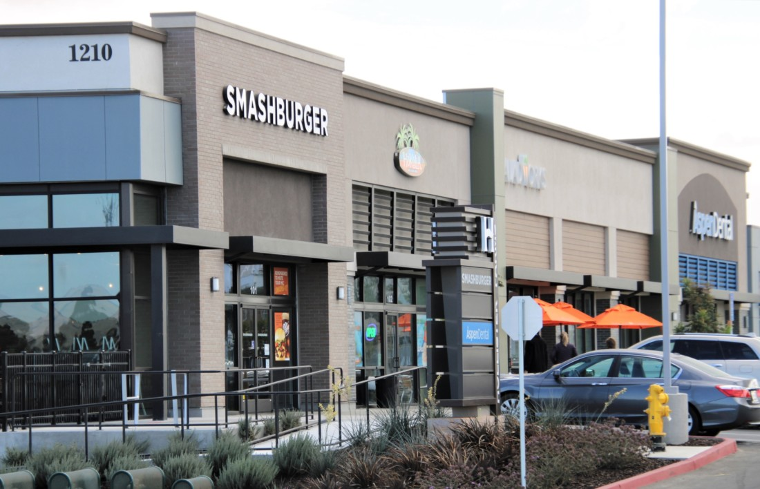 Businesses in the Hollister Farms Shopping Center. Photo by John Chadwell.