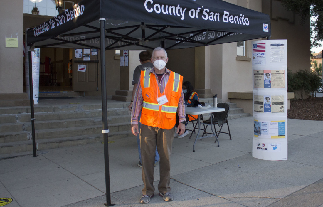 Michael Linthicum at the San Juan Bautista polling station. Photo by Noe Magaña.
