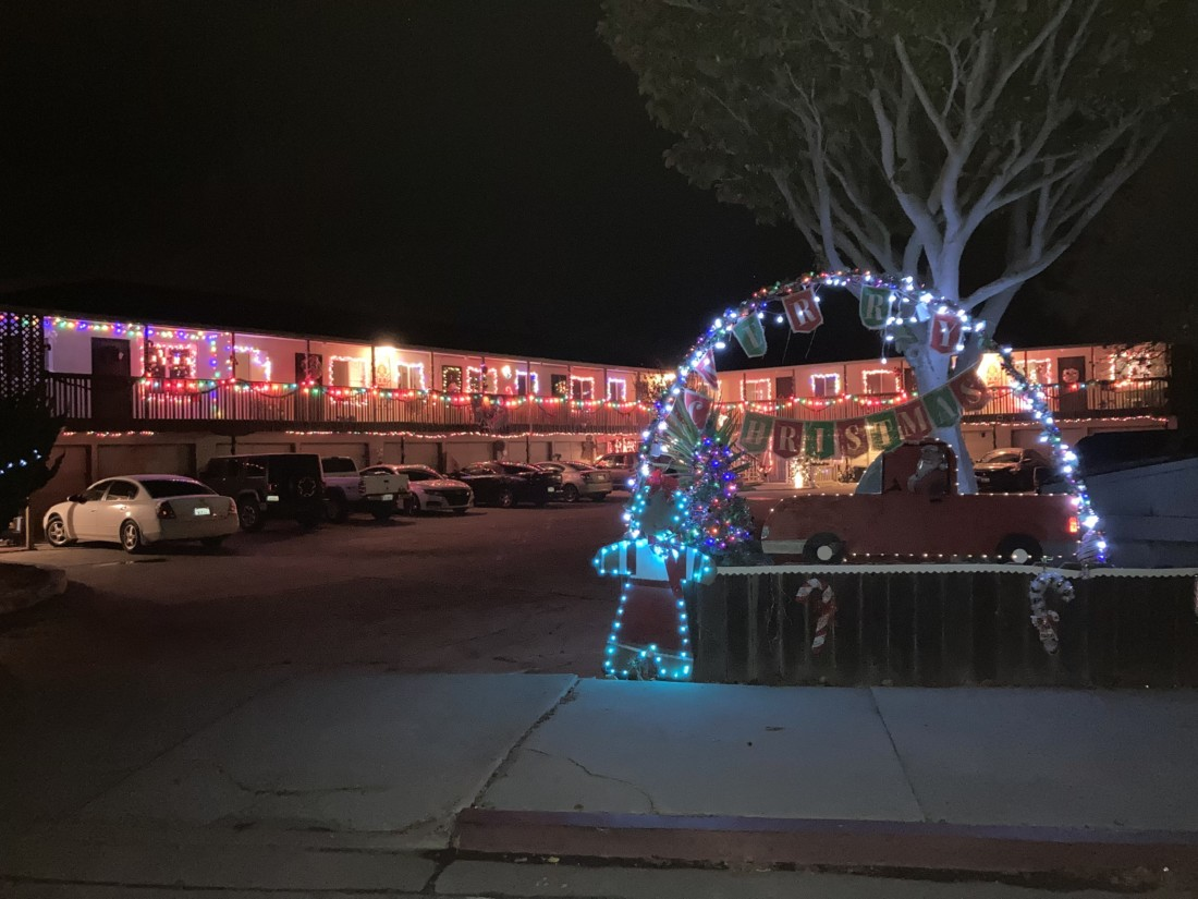 Lights on the apartment complex located at 57 Muckelemi Street. Photo by Noe Magaña.