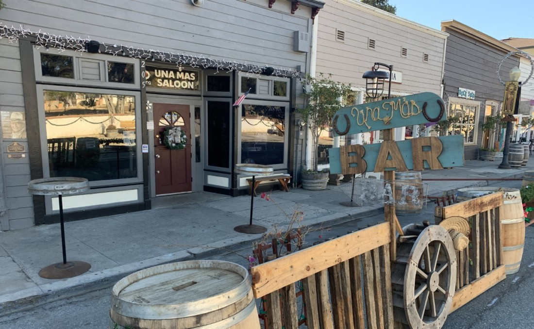 Una Mas Saloon in San Juan Bautista. Photo by Robert Eliason.