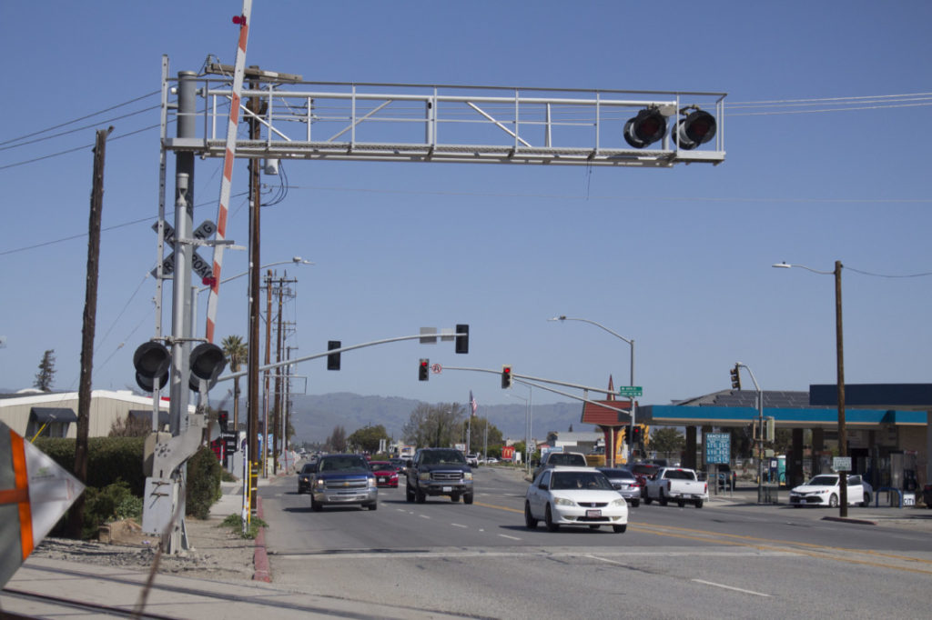 Railroad lights near the corner of San Benito and First streets. Photo by Noe Magaña.