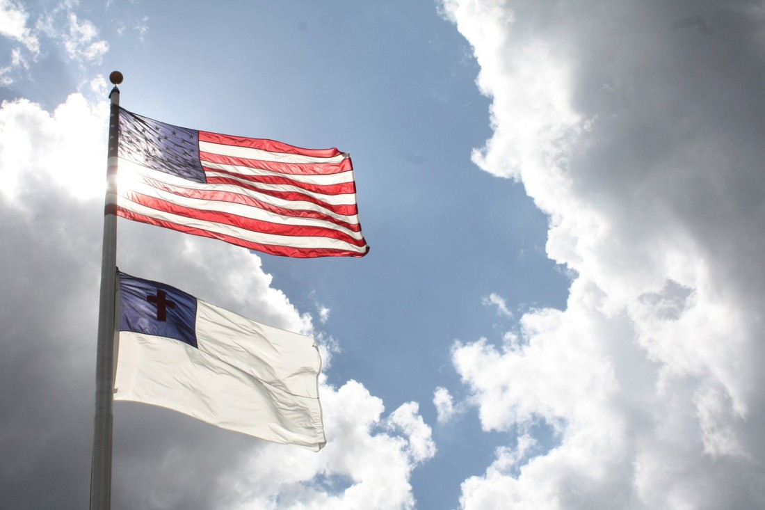 Hollister council divided over flying Christian flag