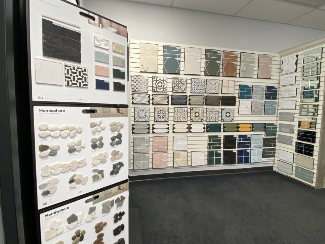 Tiles aplenty for customers to choose from. Photo by Jenny Mendolla Arbizu.