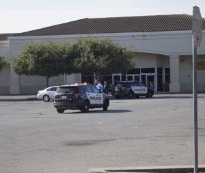 Police stay on scene after the 44-year-old man was taken into custody on Sept. 9. Photo by Noe Magaña.